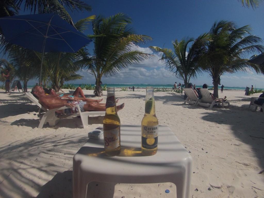 Cervesas aan het strand