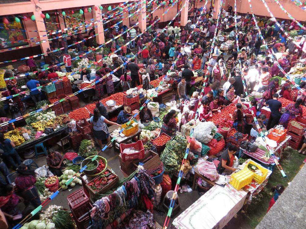 Een deel van indoormarkt, waar je mooi van bovenaf op kon kijken.