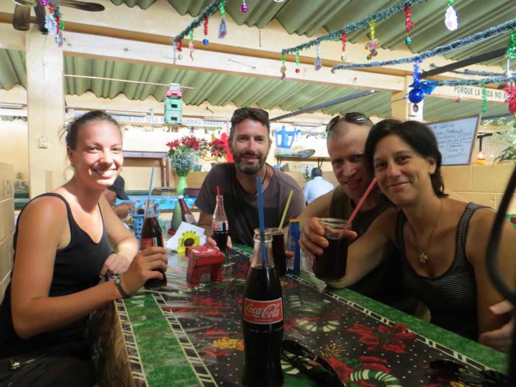 Kerstlunch op de markt in Antigua