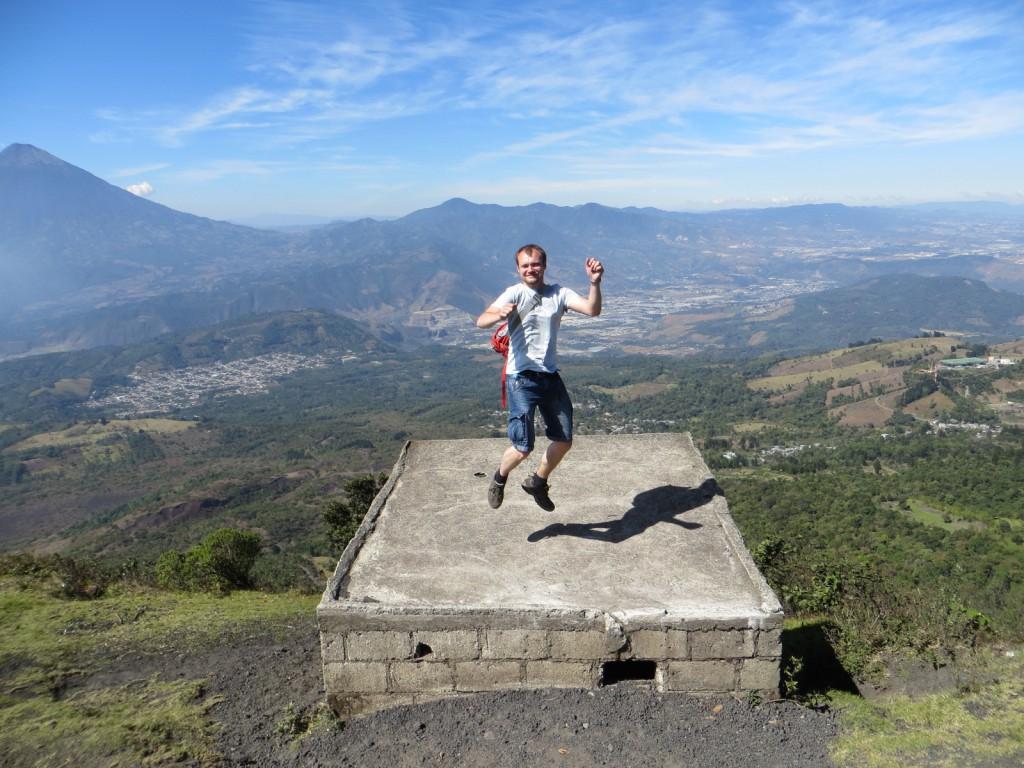 Michiels vreugdesprong op de top van Pacaya