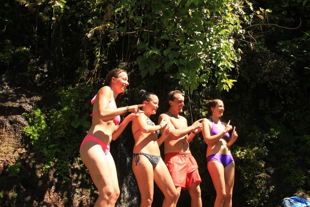 Bailamos bij de waterval...