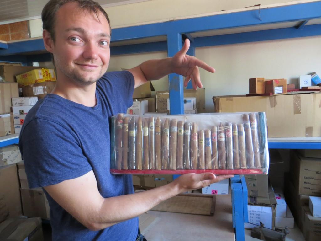 Deze soort sigaren worden allemaal in deze fabriek gemaakt.