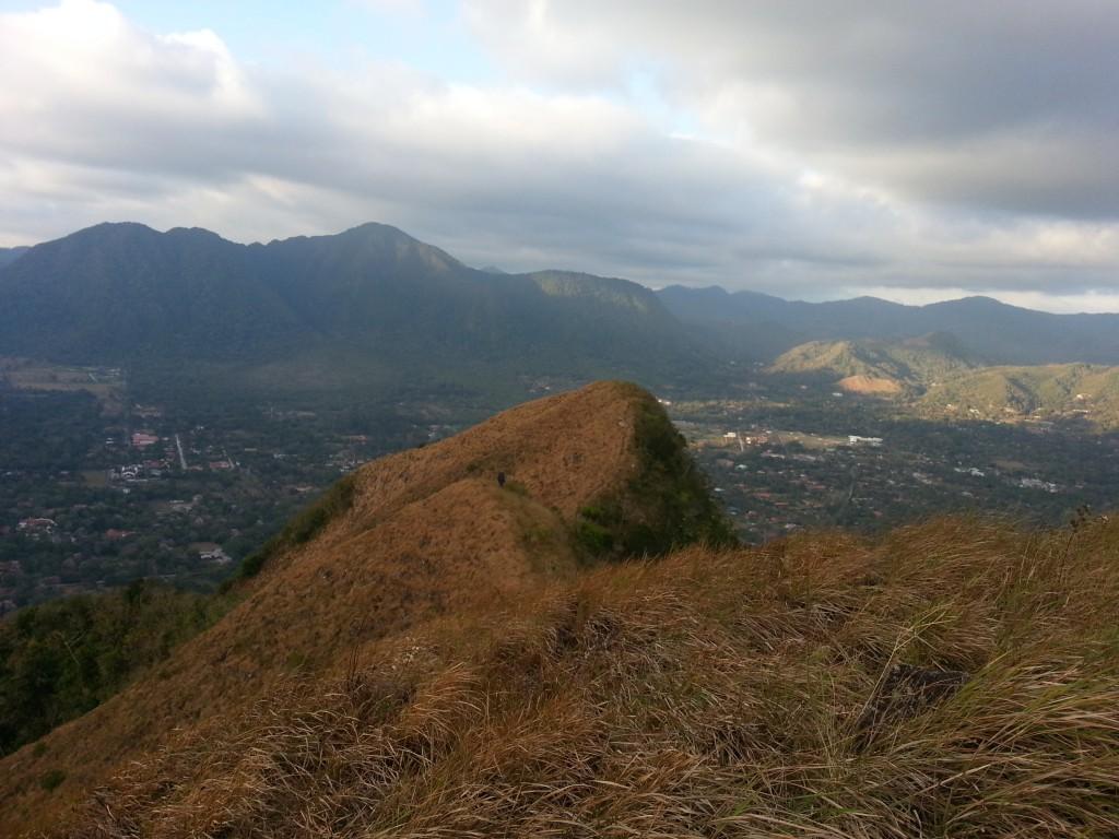 Die mooie uitzichten waar ik het over had. Op deze foto zie je nog het beste dat het ooit de krater van een vulkaan was.