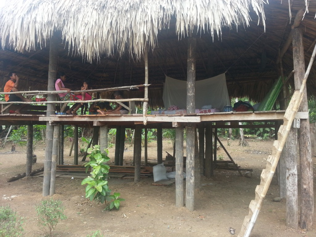 Het gastenverblijf van het dorp. De hut staat op zo'n honderd meter van de kern van het dorp en wordt normaal gebruikt om te 'hangen'. Dat veranderde niet terwijl ik er verbleef.