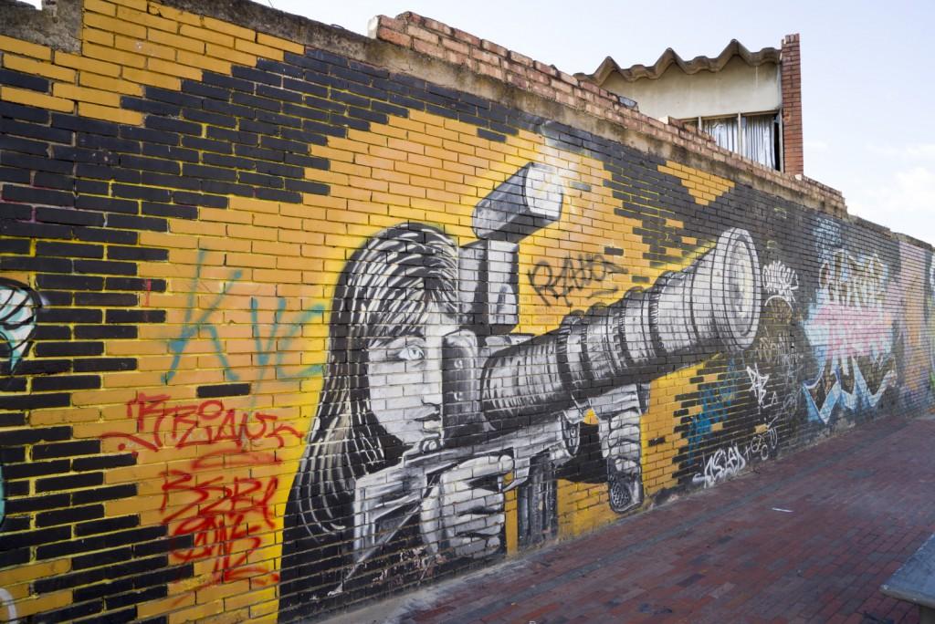 Goed kijken. Een kruising tussen een geweer en een camera.