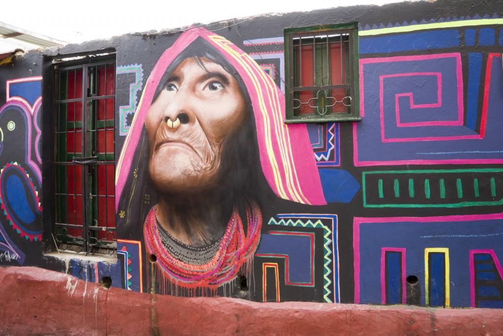Eén van mijn favorieten: een inheemse vrouw levensecht en zeer gedetailleerd gemaakt.