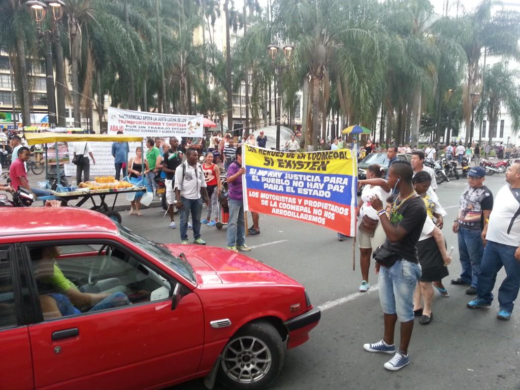 Protesterende 'menigte'.