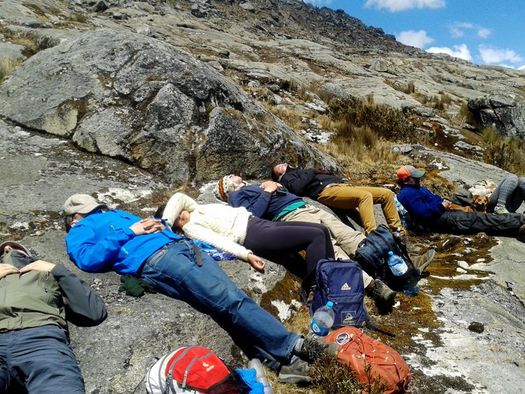 Een dutje doen na 4 uur klimmen. De enige manier om je hart weer op een normaal tempo te laten slaan.