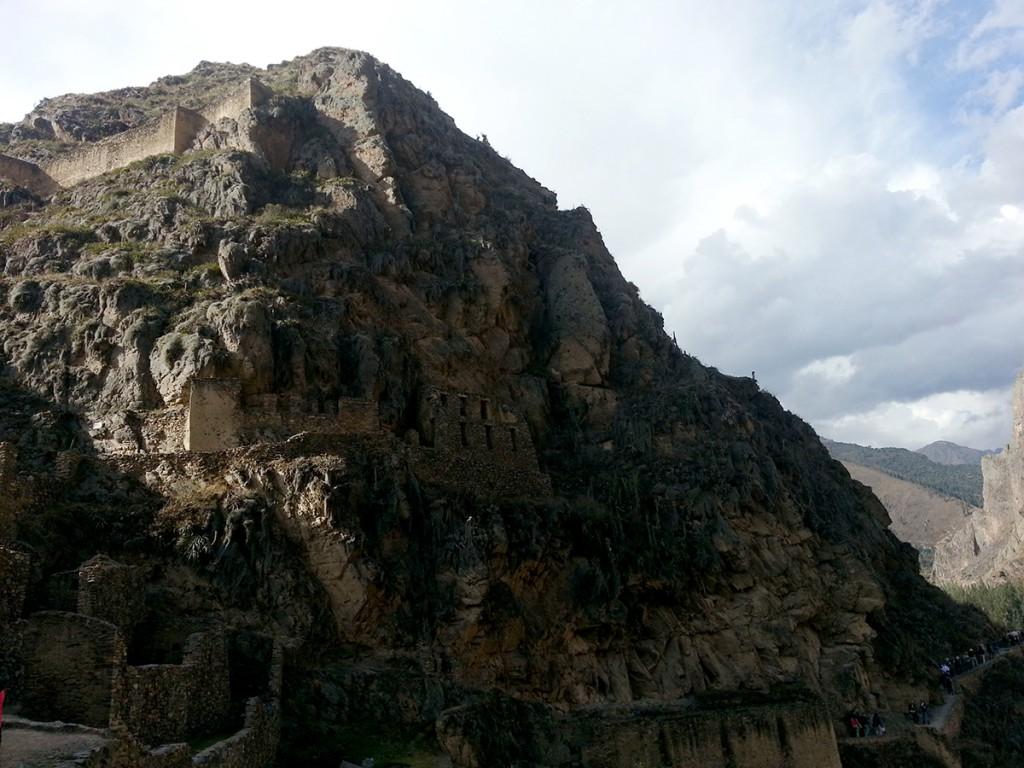 De ruïnes van de Inca's. Ze bouwden gewoon ín de berg.