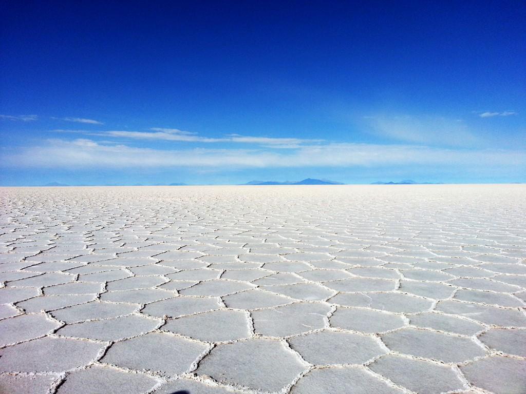 Dit is hem dan. Op dag 4 kwamen we bij Salar de Uyuni. Niets anders dan kilometers en kilometers aan zoutvlaktes.
