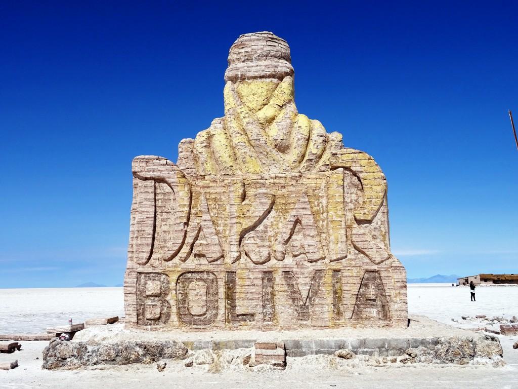 Ook de Dakar is hier gereden. Eigenlijk in Chili én Bolivia, maar hier ging hij van start. Lijkt me wel cool, met je racewagen crossen over de vlaktes.